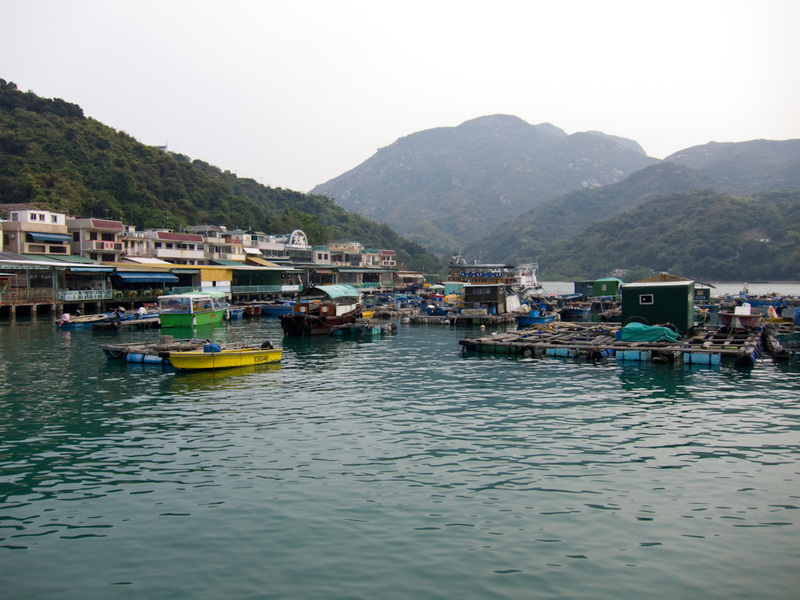 Hong Kong-Hiking-Ferry-Lamma Island - The floating village.