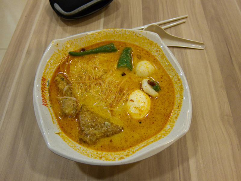 Singapore-Museum-Clarke Quay-Airport-Lounge - I did however finally get a decent laksa for lunch, it was spicy and delicious. One thing I find strange, I never found anyone selling beef rendang at