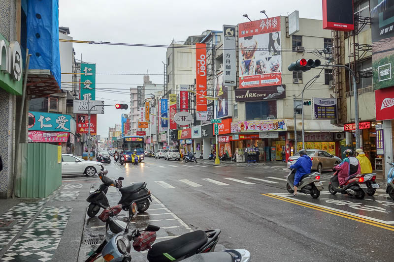 Taiwan-Taipei-Hualien-Bullet Train - Heres the main street near my hotel. Very busy, goes for about 10 miles. So now I am confused, only 100k people live here, and yet when I went to Naga