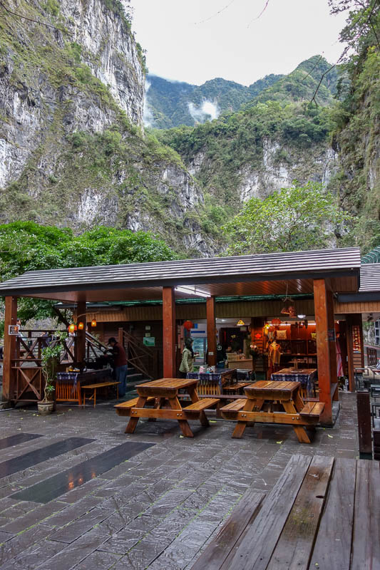 Taiwan-Hualien-Taroko Gorge - There is a cafe here, they sell coffee. Civet coffee. At least thats their claim, civet coffee is processed via the digestive system of monkeys. Delic