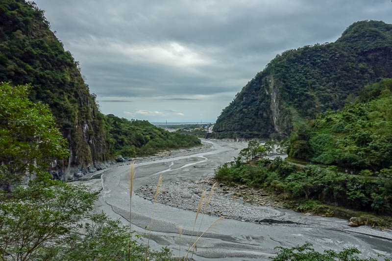 Taiwan-Hualien-Taroko Gorge - That, on the horizon, is the ocean.