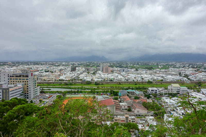 Taiwan-Taitung-Beach-Xiaoyeliu - The poor people side of town. Turns out the hill is right in the middle of the city geographically speaking. How do you actually speak geographical? I