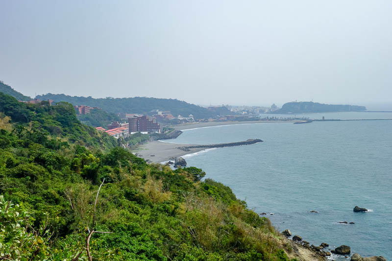 Taiwan-Kaohsiung-Monkeys-Temple-Beach - The view on the way back was pretty good. Clearer than in the morning.