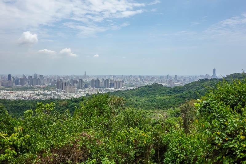 Taiwan-Kaohsiung-Hiking-Shoushan-Chaishan - Sweating profusely