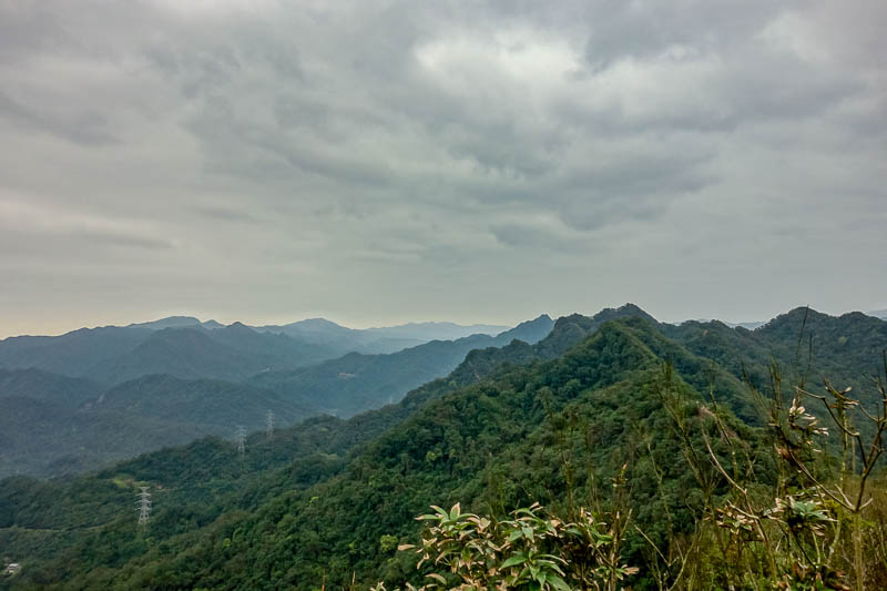Taiwan-Shiding-Hiking-Huangdidian - There was no actual summit today. I just hiked up and down many ridges, in this shot the trail is bending around to the right.