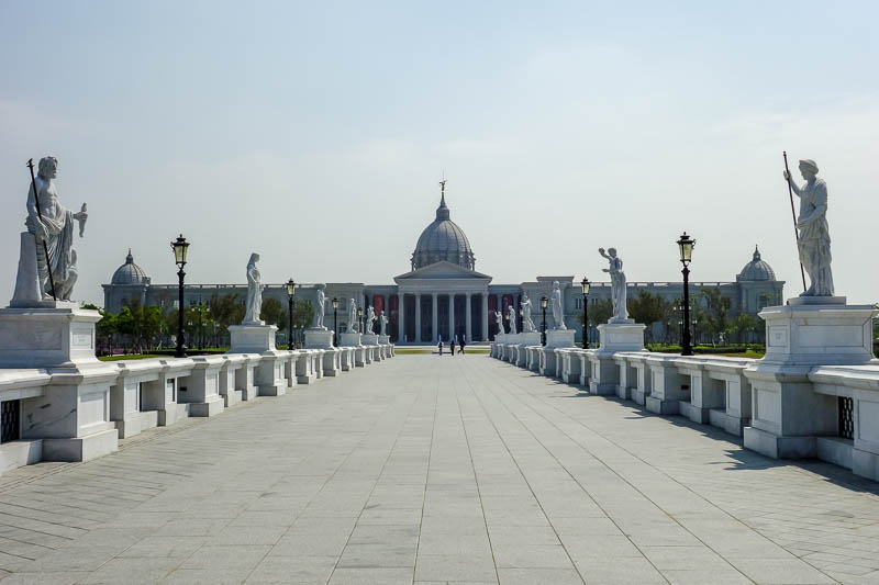 Taiwan-Tainan-Baoan-Chimei Museum - All the white was blinding, and tough work for my poor long suffering camera.