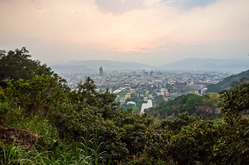Taiwan-Puli-Hiking-Sunset - The road loops around a few times, and gives you lots of opportunity to enjoy the view. So I did. Whilst running up hill. I was so happy to be running