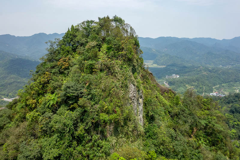 Taiwan-Pingxi-Hiking-Climbing - And here is the remaining third peak. Time to head down and up again.