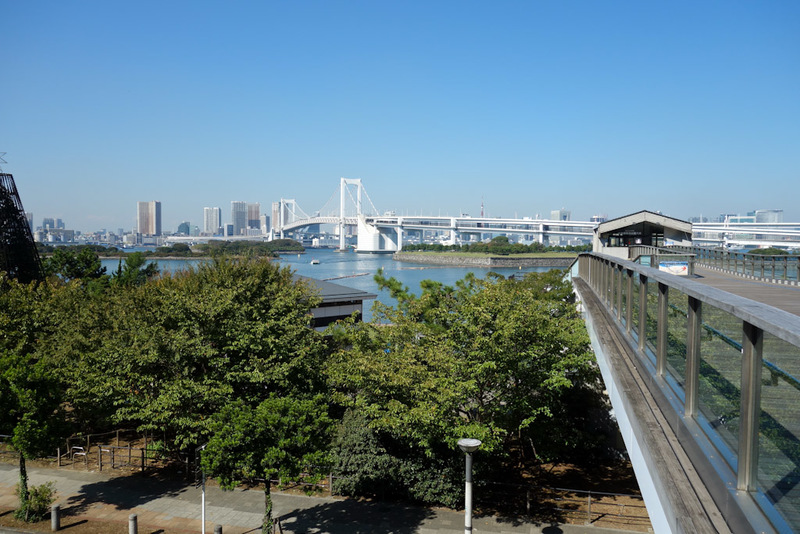 Japan-Tokyo-Odaiba-Gundam - You come over this big bridge on a monorail to get here. I have been before but that time foolishly went on a Monday when everything is shut. Insted o